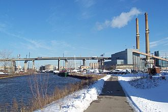 Oak Leaf Trail - Image: Hank Aaron State Trail, Valley Power Plant
