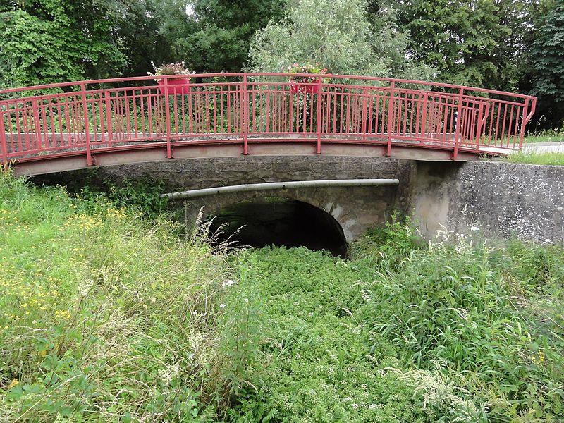 Haussonville (M-et-M) pont sur ruisseau
