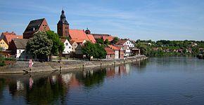 Havelberg-Stadtansicht mit Havel.jpg