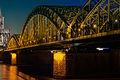 Hohenzollernbrücke bei Nacht.jpg