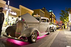 Hot rod with pink lights on King Street - panoramio.jpg