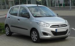 Hyundai i10 1.1 Classic FIFA WM Edition (Facelift) – Frontansicht, 16. April 2011, Düsseldorf.jpg