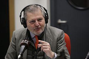 Íñigo Méndez de Vigo - Image: Iñigo Méndez de Vigo visita la radio escuela municipal M21 02