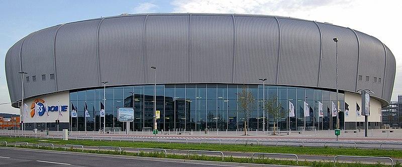 ISS Dome D%C3%BCsseldorf Stra%C3%9Fensicht.jpg