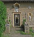 Iford Manor - Cloisters 03.jpg