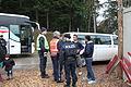 Immigranten - Flüchtlinge beim Grenzübergang Wegscheid (23090337716).jpg