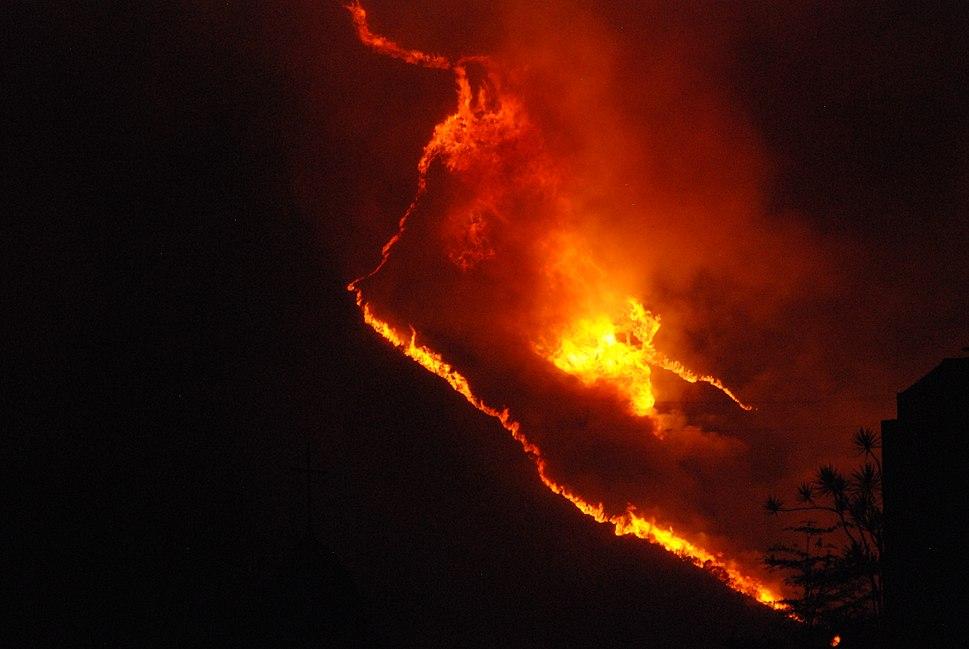 Incendio en Caracas (4515878847)
