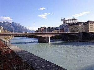 Innsbruck-Bruecke-Blasius-Hueber-Str.jpg