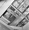 Interieur eerste verdieping- detail beschilderde balklaag achterkamer - Brielle - 20267653 - RCE.jpg