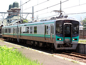 Obama Line - An Obama Line 125 series train at Wakasa-Hongō Station