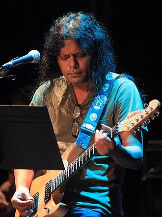 James (musician) -  James performing in San Francisco Bay Area, USA (Sep 2013)