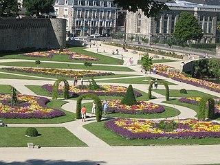 320px-Jardins_des_Remparts_de_Vannes.jpg