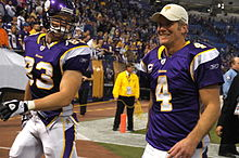 Jeff Dugan and Brett Favre.jpg