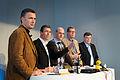 Jens Stoltenberg Anders Fogh Rasmussen Fredrik Reinfeldt Matti Vanhanen och Geir H. Haarde haller presskonferens efter globaliseringsmotet i Riksgransen 2008-04-09.jpg