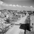 Jeruzalem. De Profeet Samuelstraat, met op de voorgrond de afscheiding tussen Jo, Bestanddeelnr 255-0326.jpg