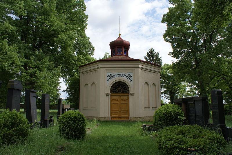 Datei:Jewish cemetery in Mladá Boleslav 06.JPG