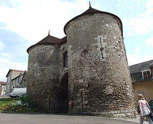 Joigny - Image: Joigny Porte du bois 2
