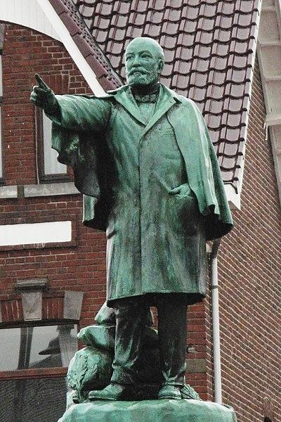 Monument de Joris Helleputte a Maaseik
