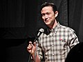 Joseph Gordon-Levitt at the Microphone (12026177874).jpg