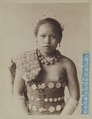KITLV - 6525 - Lambert & Co., G.R. - Singapore - Dayak girl on British Borneo - circa 1890.tif