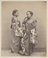 KITLV 4381 - Isidore van Kinsbergen - Ida MadeDjilantik and Ida Ketut Bagus, Brahmins of Boeleleng - 1865.tif
