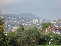 Kilátás a Gellért-hegyről a János-hegyre