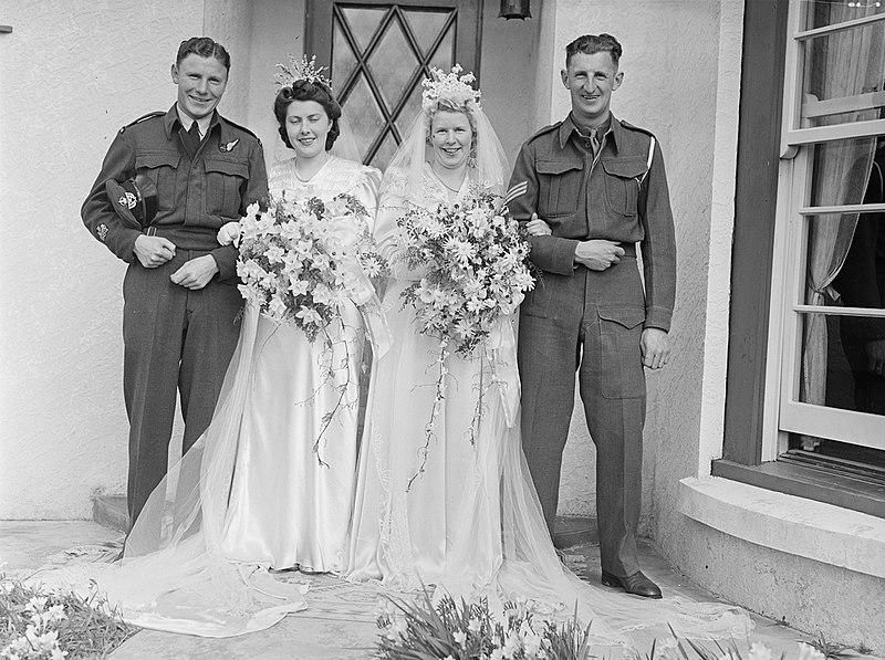 File:King-Mason and King-Miller wedding portrait (AM 74891-1).jpg