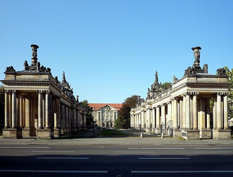 Súbor:Koenigskolonnaden Berlin 1.jpg
