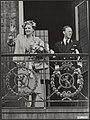 Koninklijk huis, prinsen, koninginnen, bezoeken, balkons, Bernhard, prins, Julia, Bestanddeelnr 016-1144.jpg