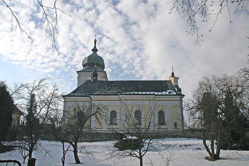 File:Kostel Svatého Martina v Holicích.jpg