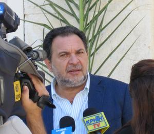 Ελληνικά: Γιάννης Κουράκης, Έλληνας πολιτικός ...