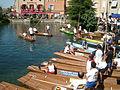 L'Isle-sur-la-Sorgue Nego-chin boat race - Getting ready.jpg