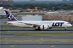 LOT, SP-LRC, Boeing 787-8 Dreamliner (19561462733).jpg