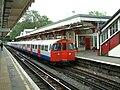 LU-3547-Harrow&Wealdstone-20040928.JPG