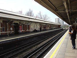 Ladbroke Grove tube station - Image: Ladbroke Grove tube station 5