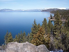 താഹോ തടാകം - Lake Tahoe from the east shore (in Nevada)