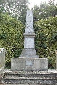 Le Mesnil-Aubert - Monument aux Morts.jpg