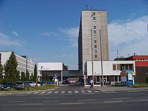 Lhotecká, Policejní akademie ČR, vchod.jpg