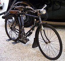 Der Lohmann-Motor  220px-Lohmann_Fahrrad_mit_Hilfsmotor