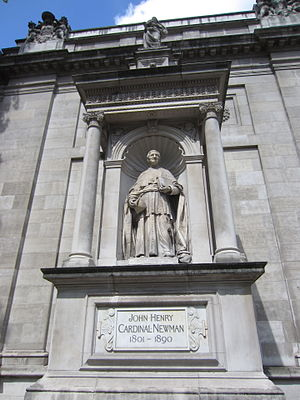 Statue of John Henry Newman, London - The statue in 2014