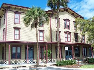 Longwood Hotel - Image: Longwood Village Inn 01