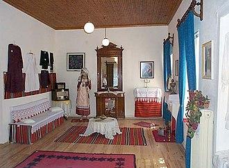 Folklore Museum of Polygyros - Image: Macedonian Museums 53 Laografiko Polygyroy 233