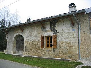 Maison typique du Jura 10.jpg