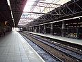 Manchester Victoria railway station - DSC05623.JPG