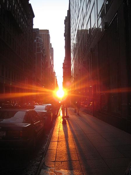 File:Manhattanhenge 42 st.jpg