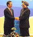Manmohan Singh and the Chinese Premier, Mr. Wen Jiabao, during the closing ceremony of the Chinese Festival in India 2010, to mark the 60th anniversary of the establishment of diplomatic relations, in New Delhi (1).jpg
