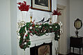 Mantle decorated (5822971546) (2).jpg
