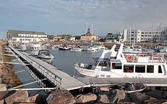 Havre-Saint-Pierre - Image: Marina Havre Saint Pierre 3
