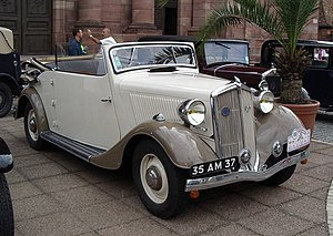 Mathis (cars) - A Mathis EY4 Cabriolet