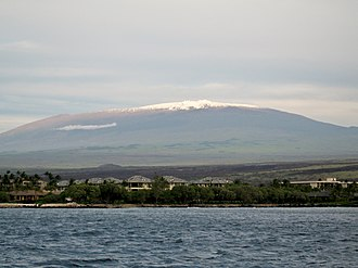 Hawaiian–Emperor seamount chain - Image: Mauna Kea from the ocean